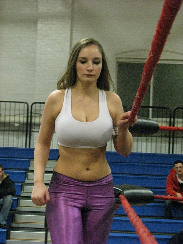 Top 10 busty wrestlers for the indies