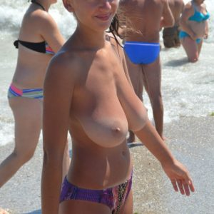 busty valentina beach