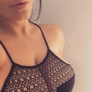 yasmindisney instagram bigboobs