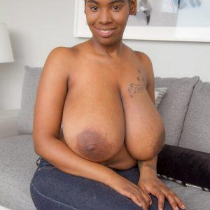 quana stevens boobs