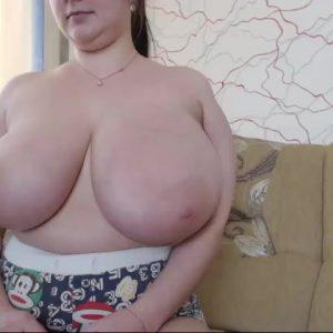 Sophiamylovee1 huge tits