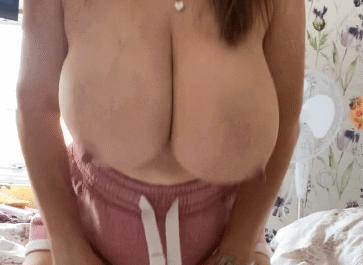 rachel aldana boob bounce