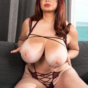 scarlet-red-huge-tits