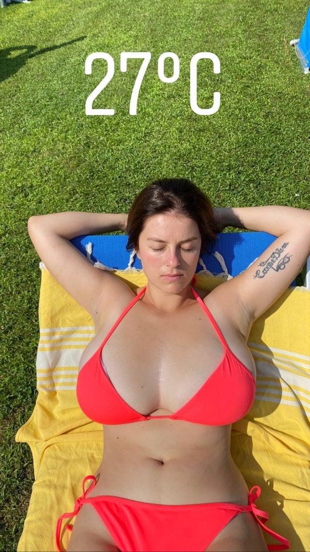 mady_gio bikini