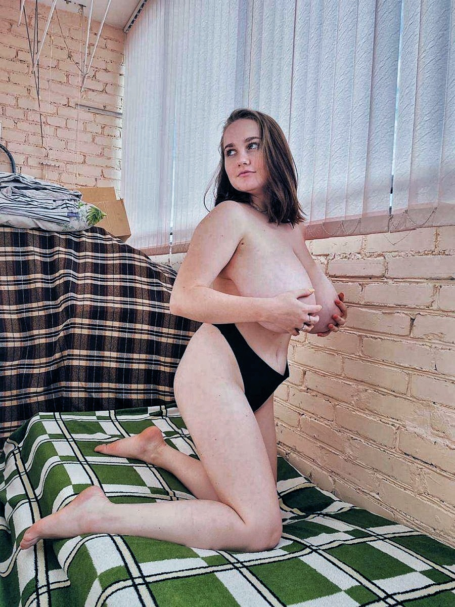 rodnova regina boobs