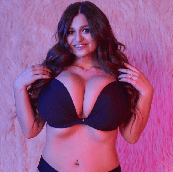 Miss BoobsRealm 2020 – Group I – Busty Models