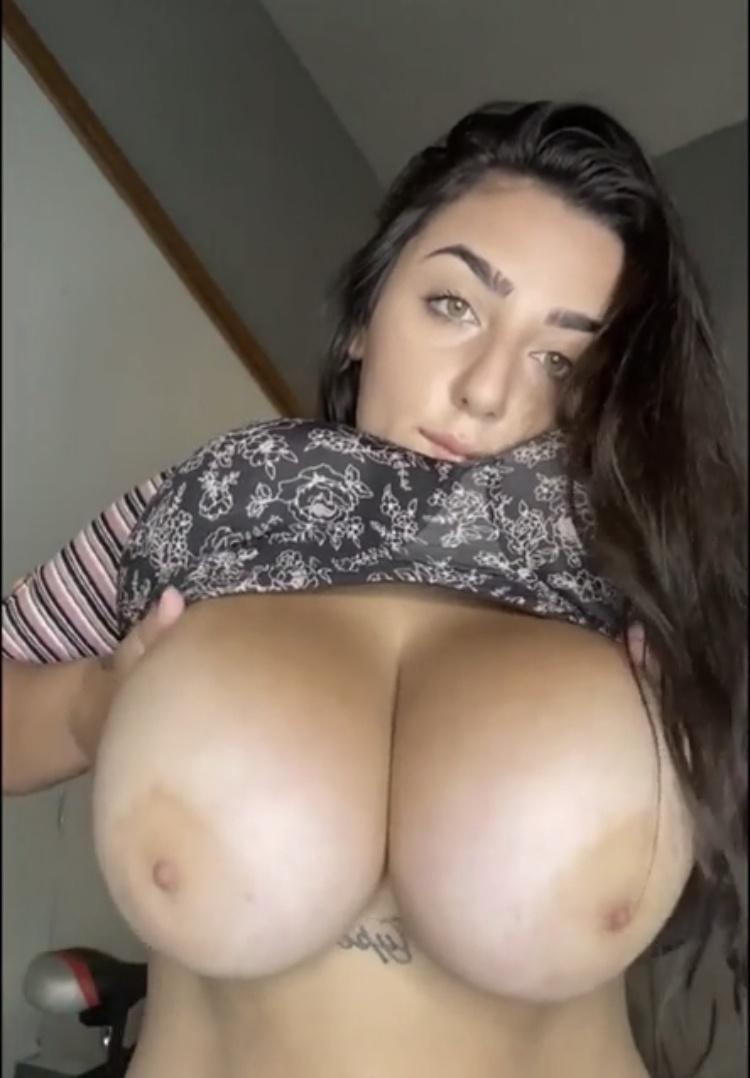 thatgreenedeyedgir boobs