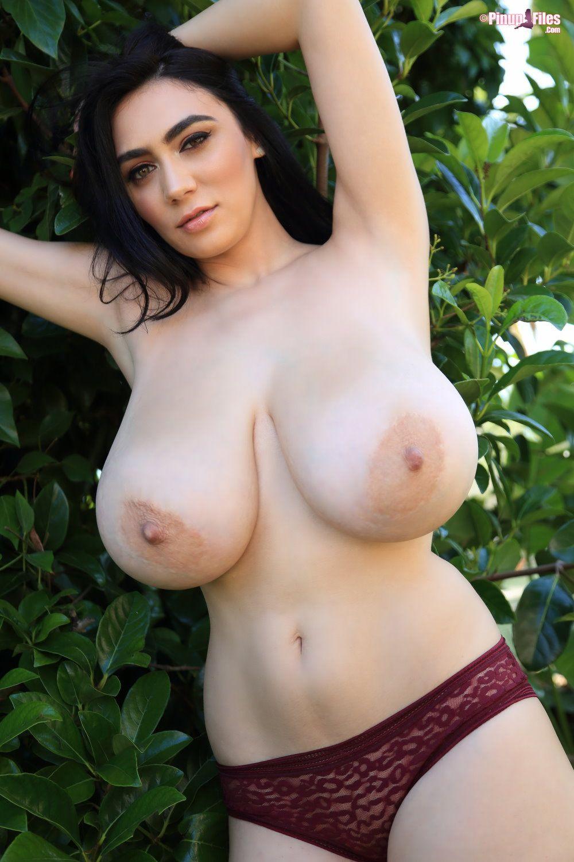 luna amor pinupfiles boobs