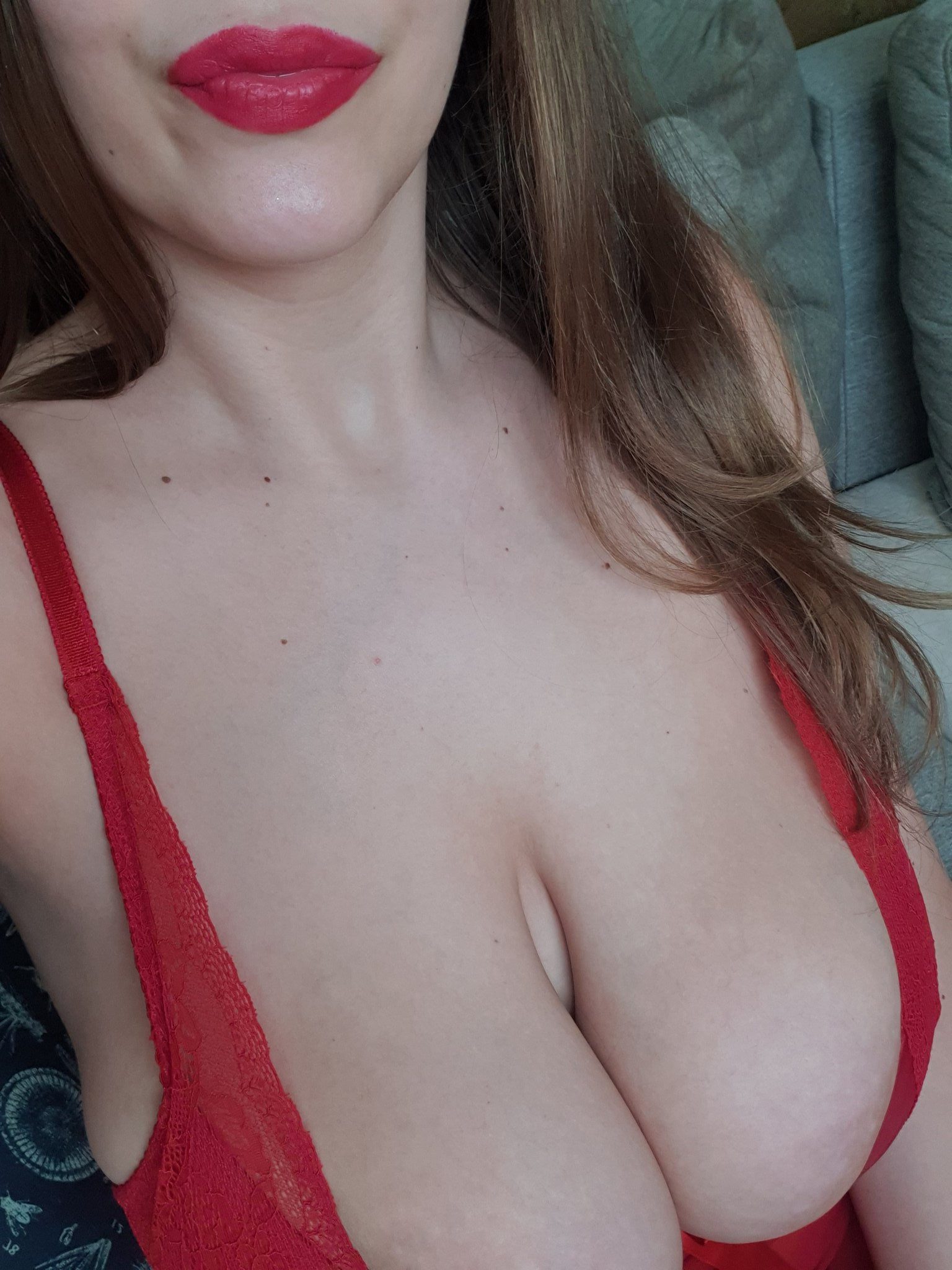 bella rosse huge boobs