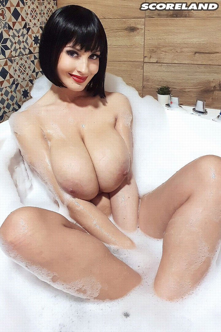 lisa bukawski naked