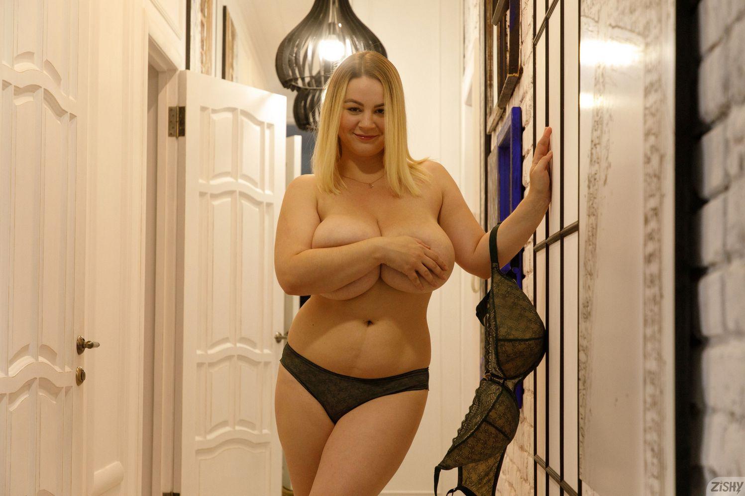 Ivanna Ershova nude