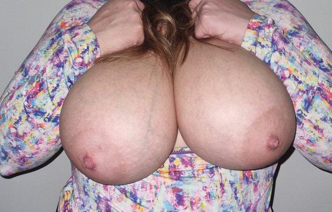 lillygg-tits