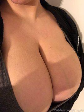 ghostgaby tits